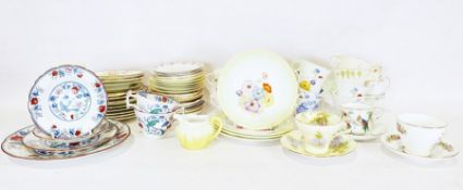 Box of various chinawares, cups, saucers and plates to include Shelley