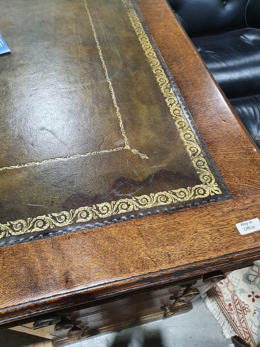 Edwardian oak partner's pedestal desk of large proportions, the rectangular gilt tooled leather - Image 7 of 26