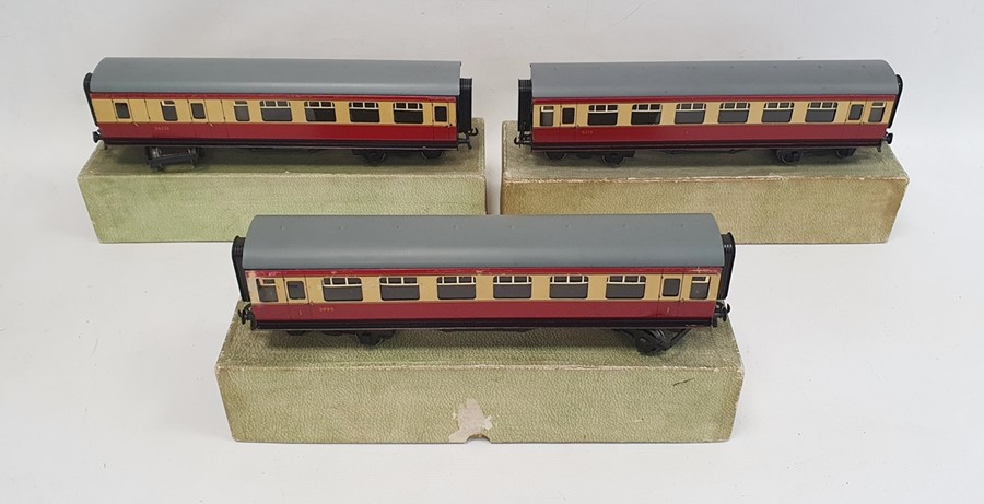 Bassett-Lowke LMS clockwork compound loco (3302/0) no.1063, with tender in brown LMS Livery, with - Image 2 of 3