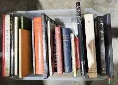 Quantity of books to include art, militaria, dictionaries, Polish history, etc (2 boxes)