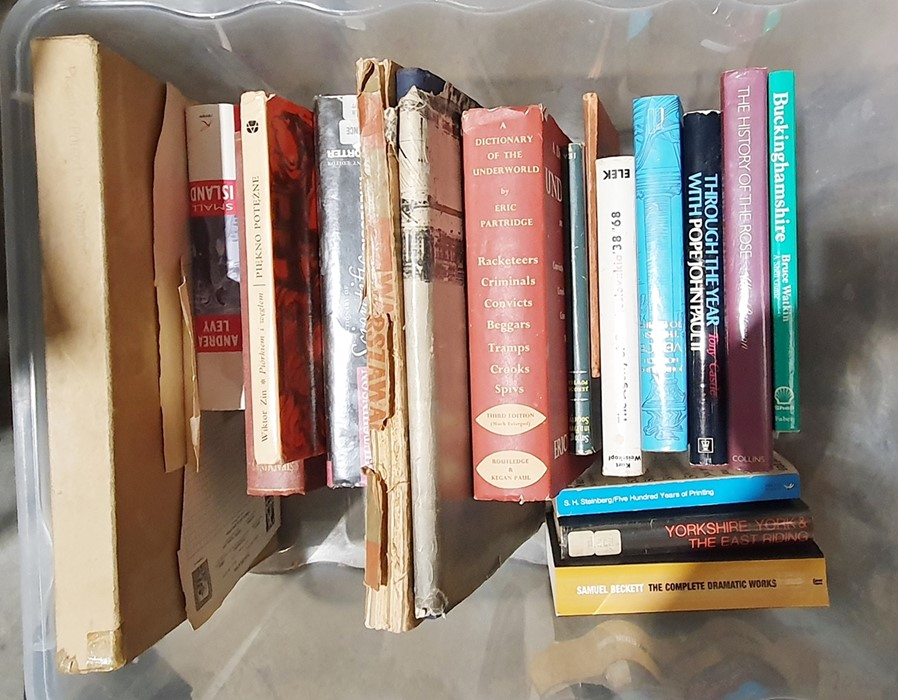 Quantity of books to include art, militaria, dictionaries, Polish history, etc (2 boxes) - Image 2 of 2