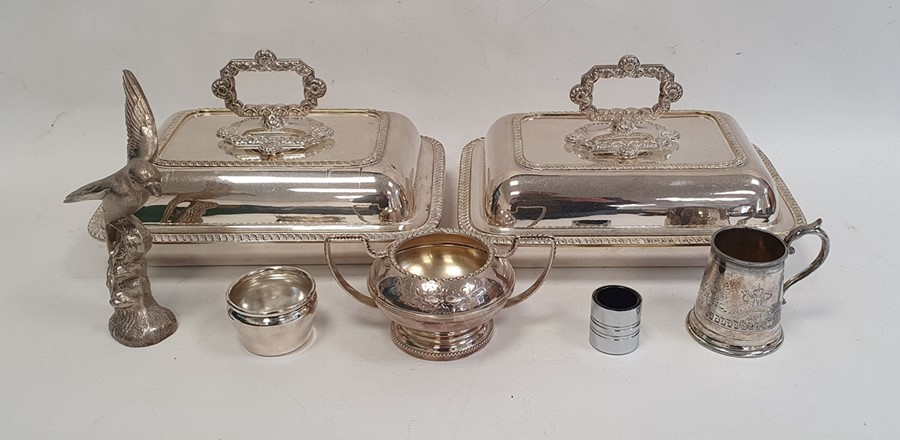 Quantity of silver plateincluding a pair of rectangular vegetable dishes and covers, a small