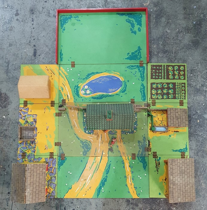 Chad Valley fold-up farmyard - Image 2 of 3