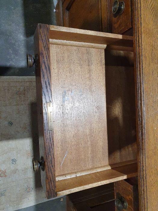 Edwardian oak partner's pedestal desk of large proportions, the rectangular gilt tooled leather - Image 23 of 26