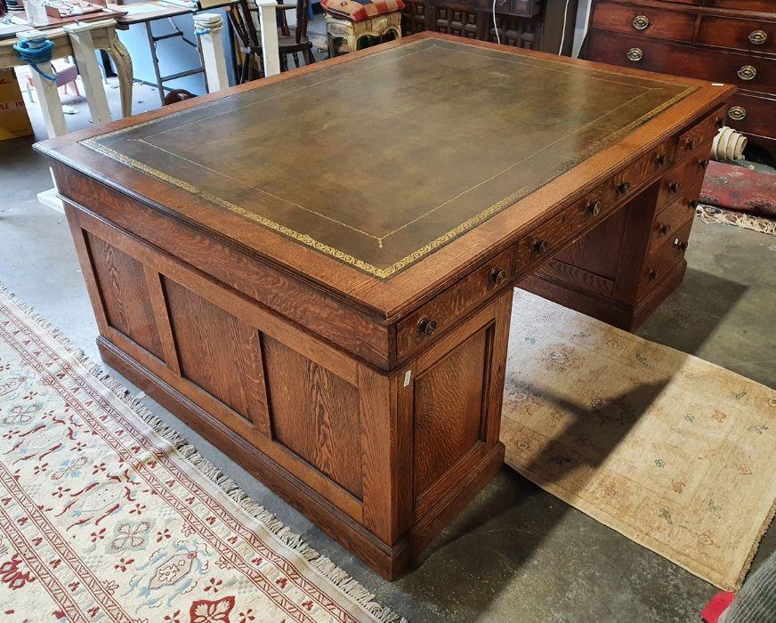 Edwardian oak partner's pedestal desk of large proportions, the rectangular gilt tooled leather - Image 5 of 26