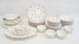 Quantity of Villeroy & Boch tableware in the Petite Fleur pattern comprising three sizes of