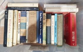 Quantity of assorted volumes on various subjects to include art, Polish war history, football,