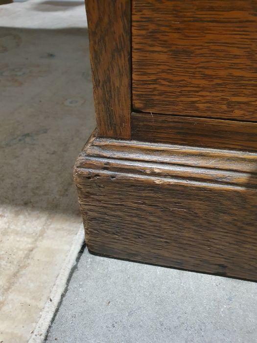 Edwardian oak partner's pedestal desk of large proportions, the rectangular gilt tooled leather - Image 12 of 26