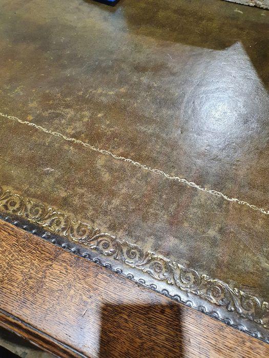 Edwardian oak partner's pedestal desk of large proportions, the rectangular gilt tooled leather - Image 9 of 26