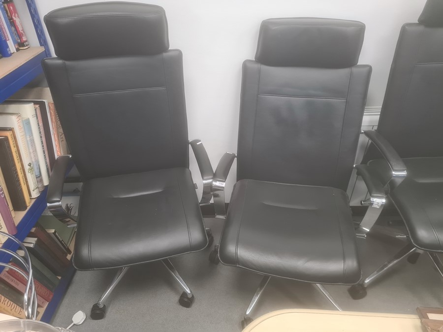 Pair of Dauphin office swivelchairs(2)