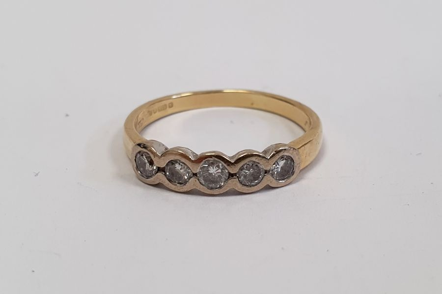 ****** Withdrawn********18ct gold five-stone diamond ring, the brilliant cut diamonds in rubover - Image 5 of 6