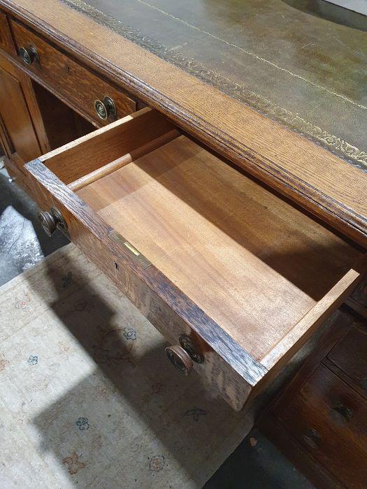 Edwardian oak partner's pedestal desk of large proportions, the rectangular gilt tooled leather - Image 25 of 26
