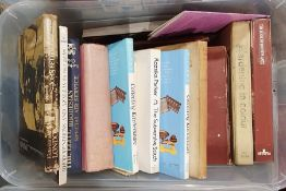Large quantity of assorted volumesto include gardening, railwayana, collecting, T E Lawrence,