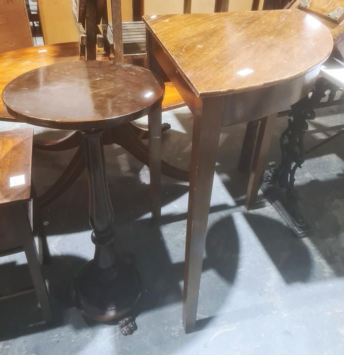 Corner side table and an aspidistra standin mahogany, circular top, baluster column, turned base to