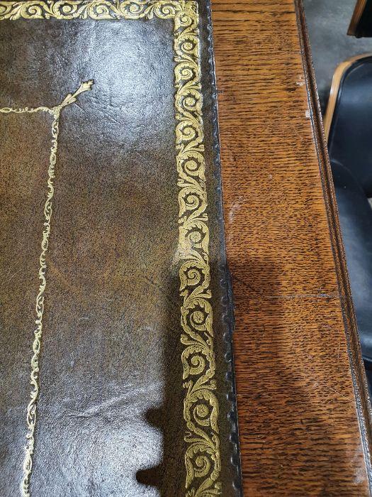 Edwardian oak partner's pedestal desk of large proportions, the rectangular gilt tooled leather - Image 8 of 26