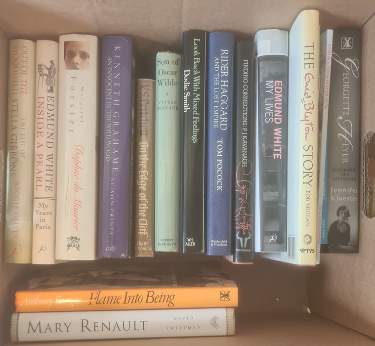 Modern First Editions - Martin Amis, signed x 2 , Louis de Bernieres, signed, Julian Barnes, - Image 3 of 3