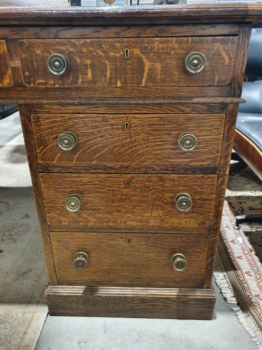 Edwardian oak partner's pedestal desk of large proportions, the rectangular gilt tooled leather - Image 13 of 26