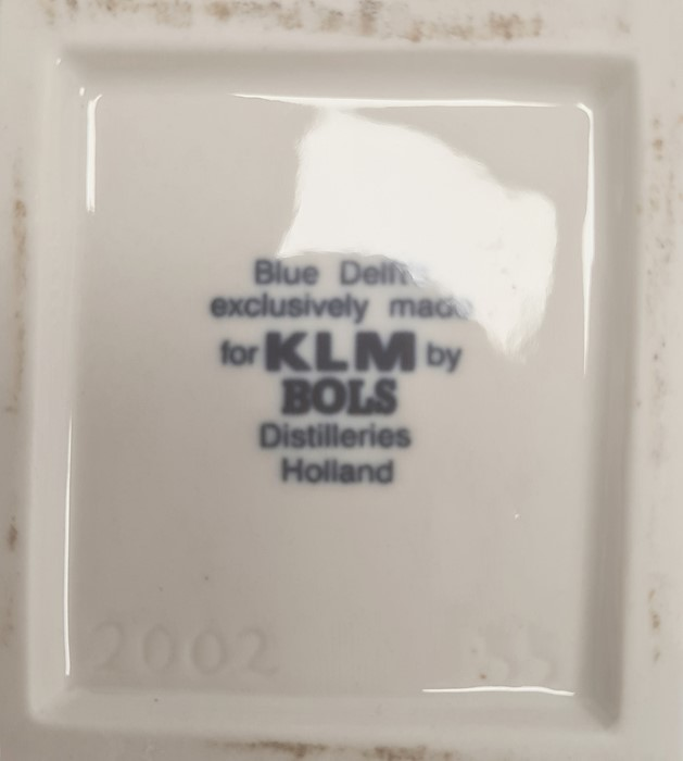 14 KLM models of Dutch buildings produced for Bols Royal Distilleries, a quantity of Wedgwood blue - Image 5 of 8