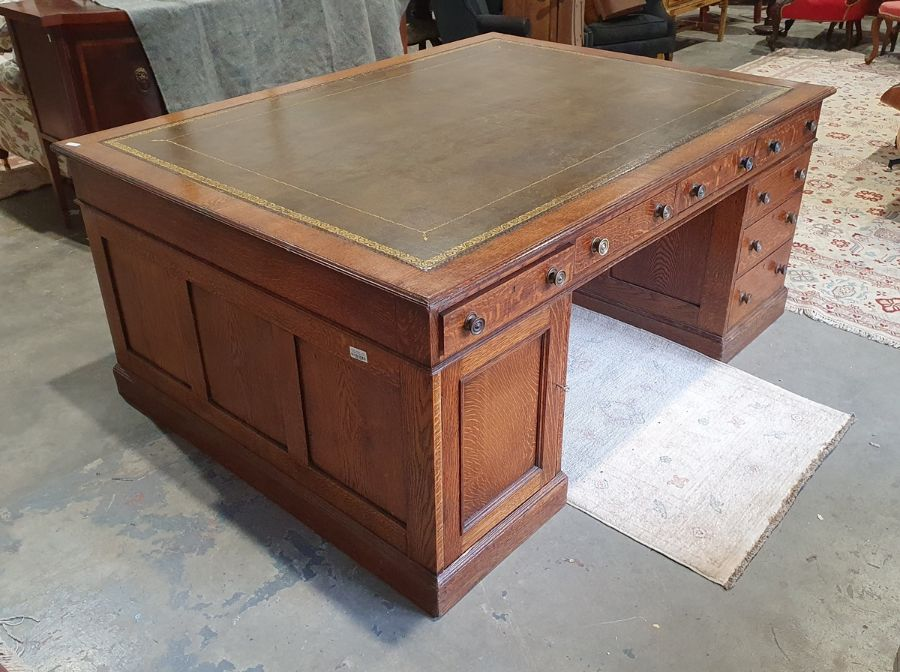 Edwardian oak partner's pedestal desk of large proportions, the rectangular gilt tooled leather - Image 3 of 26