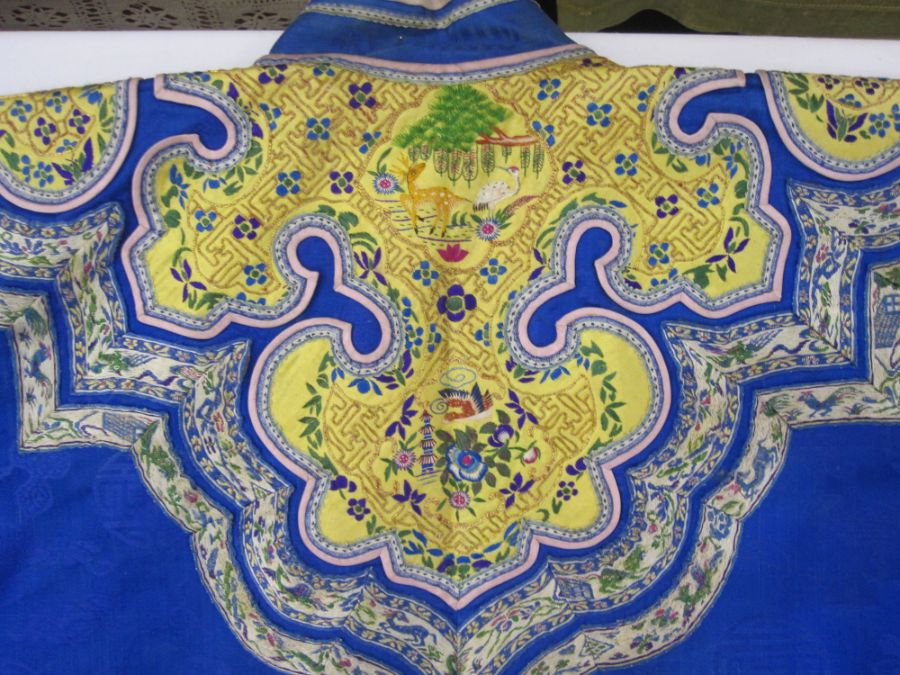 Chinese embroidered silk robe, brass button with relief pattern and silk loop fastenings, borders - Image 15 of 18