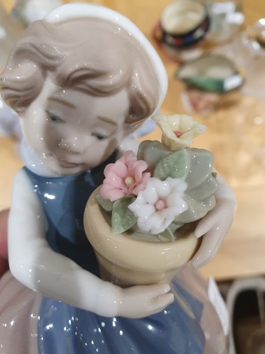 Quantity of Lladro figuresto include Geisha girl, polar bear, girl grooming dog, boy with - Image 14 of 14
