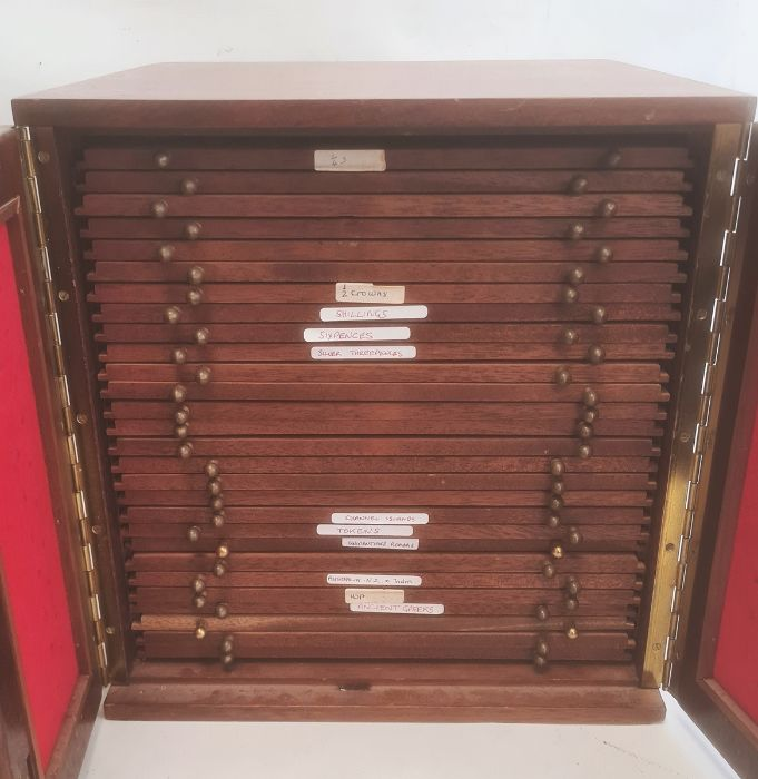 Two coin collector's cabinets each with a pair of doors enclosing assorted coin drawers (2) - Image 2 of 5