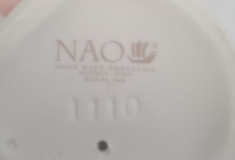 Quantity of Nao figuresto include children and clowns (8) - Image 9 of 10