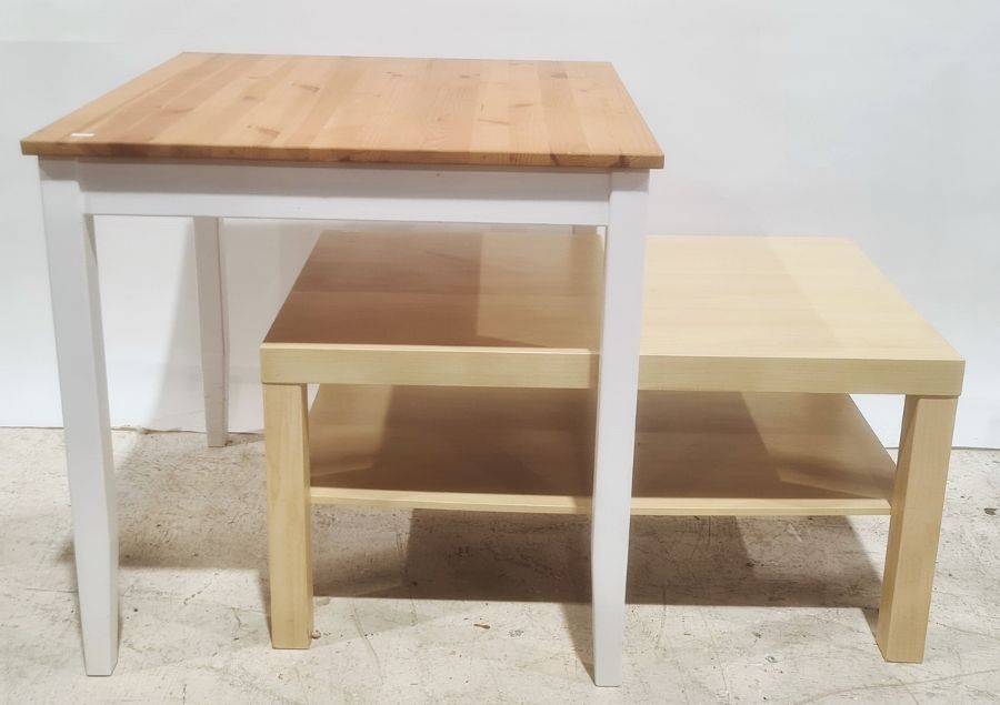 Pine top table and a further coffee table (2)