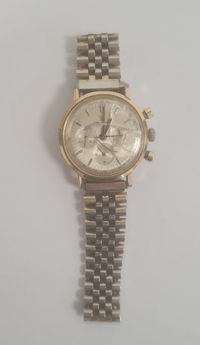 Omega Seamaster gentleman's gold-plated chronograph bracelet watch, the silvered dial with baton