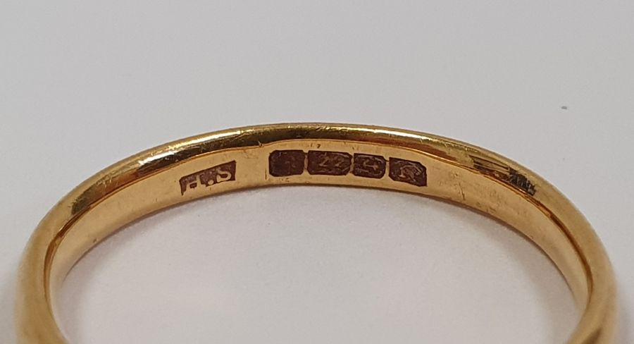 22ct gold wedding ring, 2.7g approx. - Image 2 of 2