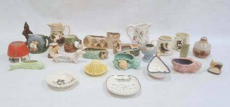 Cinque Ports pottery jugdecorated with sweet peas, a pair of mugs decorated with birds, a Hornsea