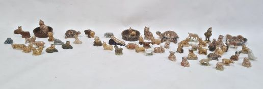 Quantity of Wade whimsies and other Wade ornaments (three boxes)