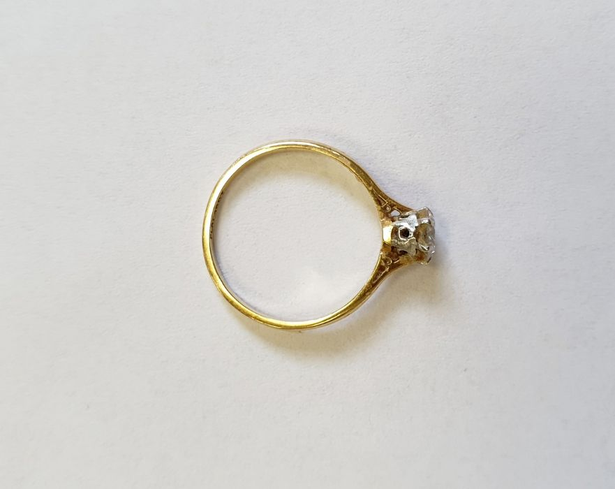 18ct gold diamond solitaire ring, round brilliant stone, 5mm in diameter approx. 0.67ct, colour H/I, - Image 3 of 4