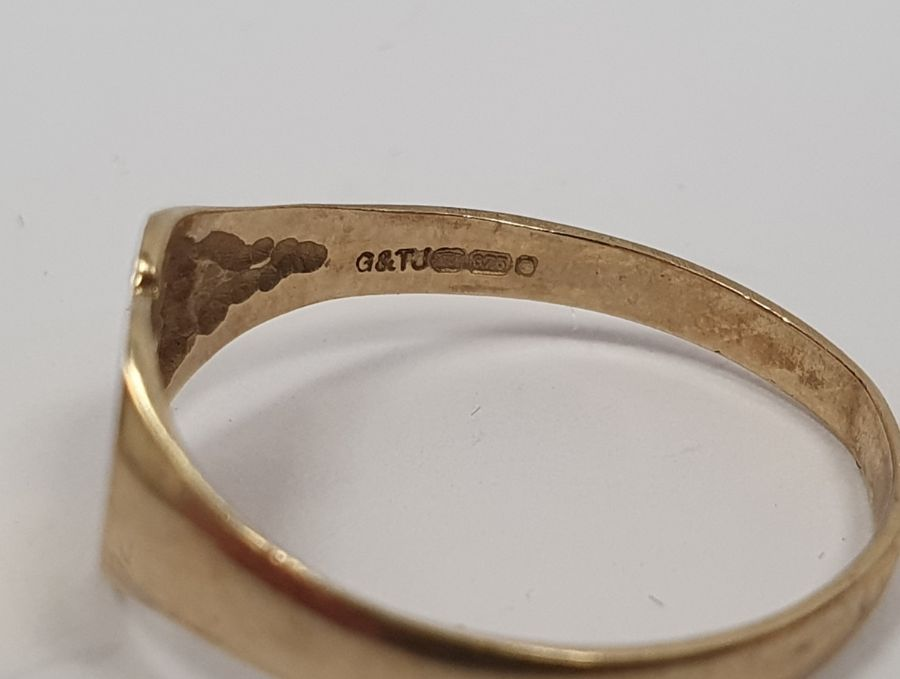 WITHDRAWN - 9ct gold and turquoise three stone set ring, 2g approx.,a 9ct gold heart-shaped engraved - Image 4 of 4
