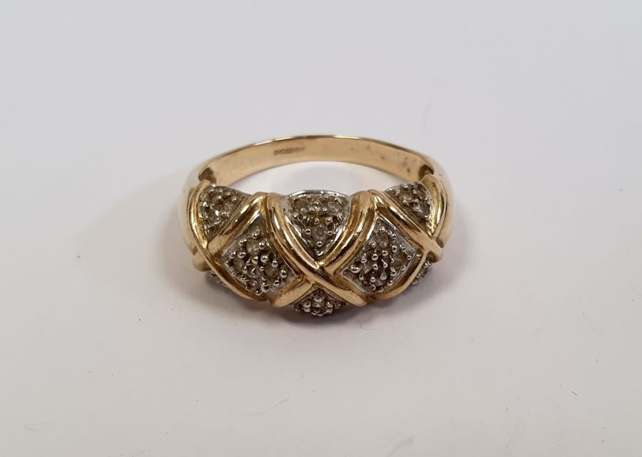 WITHDRAWN - 14ct gold and diamond set cluster ring, 5g in total approx.