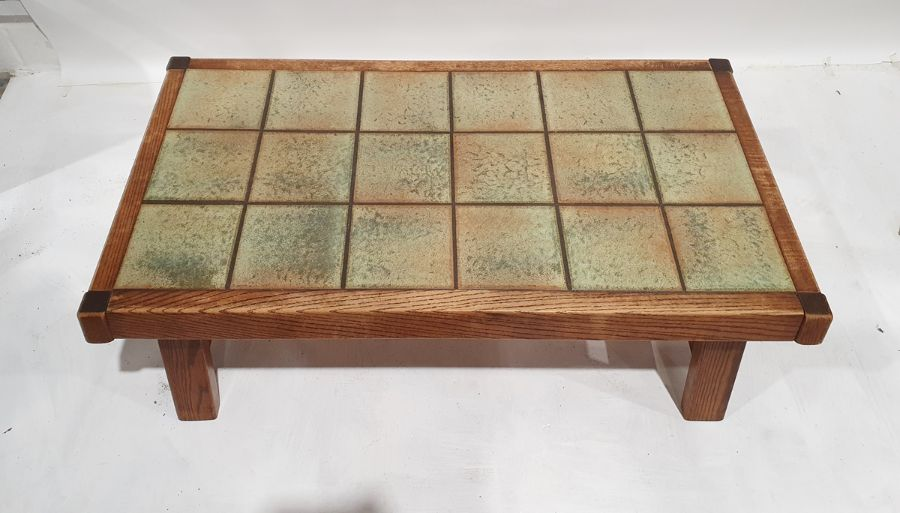 20th century tile-top coffee table on oak frame, 132 x 43cm - Image 2 of 2