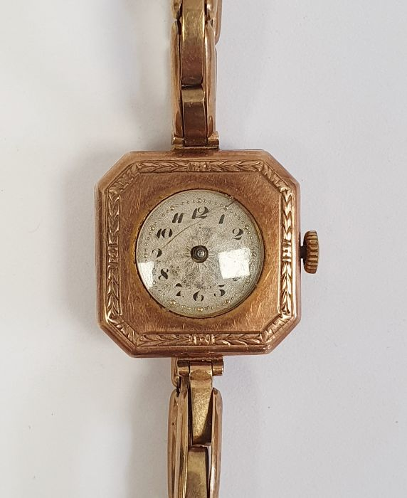 A lady's 9ct gold wristwatch, 15g approx. in total