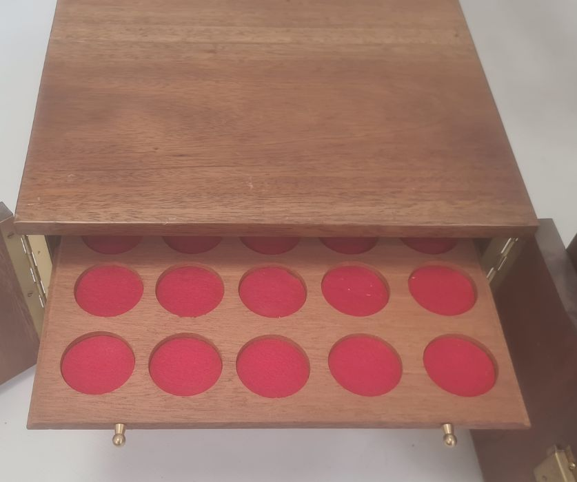 Two coin collector's cabinets each with a pair of doors enclosing assorted coin drawers (2) - Image 5 of 5