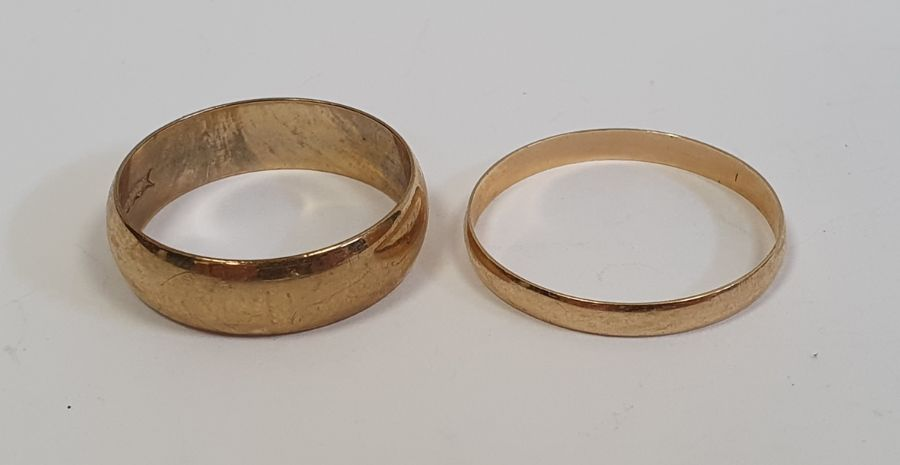 Two 9ct gold wedding rings, 5g approx. (2)