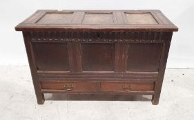 18th century-style oak mule chestwith fluted decoration, lift top and two drawers under, on stile
