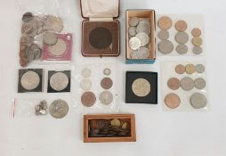 Quantity of various old coins, banknotesand other collectables(1 box)