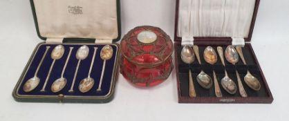 Set of six silver seal-top teaspoons, Sheffield assay, in case, a set of EPNS teaspoonsand a