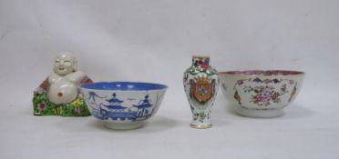 Small Chinese armorial porcelain vase, inverse baluster shaped with floral decoration, 12cm high,