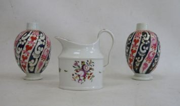 Two 18th century Worcester porcelain tea canisters, Queen Charlotte pattern, ovoid and each on