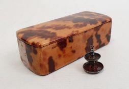 Tortoiseshell veneer trinket box, 7cm wide and a silver miniature cake stand