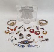 Small quantity of costume jewellery, silver brooches, earrings, clip-on earrings, lady's wristwatch,