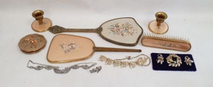 Dressing mirror, matched dressing set,one compactand quantity ofcostume jewellery (1 box) PLEASE
