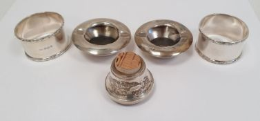 Pair of 20th century circular foreign silver ashtrays, marked 'Siam Sterling 95' to base, a pair