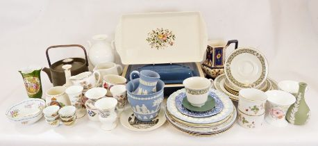 Denby Chevron teapot, a Le Creuset lidded casserole dish, a pair of bowls together with various