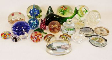 Orange glass centrepiece bowl, various Art Deco style glass items and a collection of paperweights